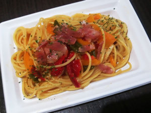 ベーコンと夏野菜のペペロンチーノ